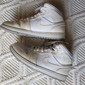 Nike White Air Force I with Box